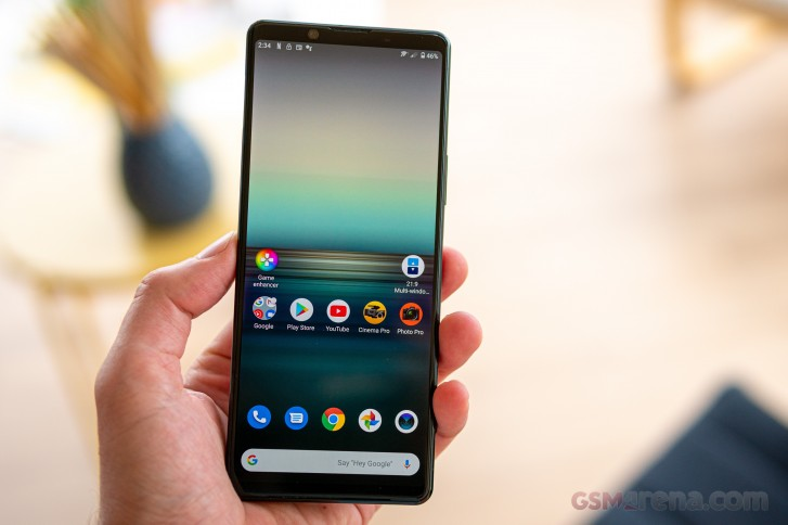 Sony Xperia 1 II lands in Europe, comes with a pair of Sony XM3s