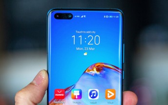Huawei remains banned from doing business with US companies for another year