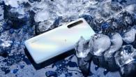Realme X3 SuperZoom in Arctic White and Glacier Blue