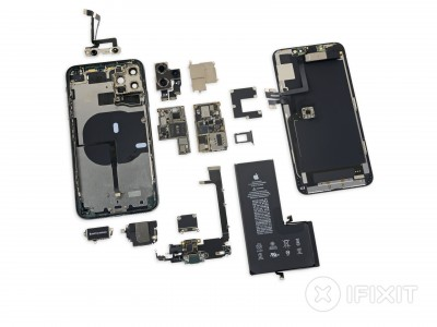"""iPhone 11 Pro Max taken apart (with several Broadcom chips) <a href=""""https://www.ifixit.com/Teardown/iPhone+11+Pro+Max+Teardown/126000"""" target=""""_blank"""" rel=""""noopener noreferrer"""">image credit</a>"""