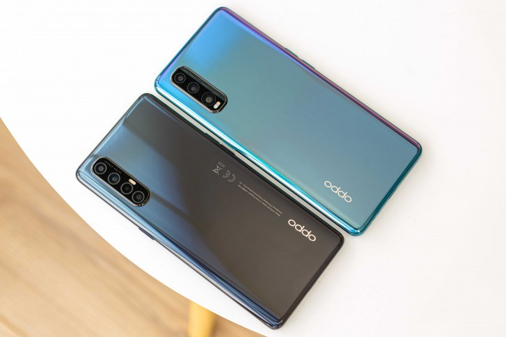 Oppo Reno3 Pro next to Oppo Find X2