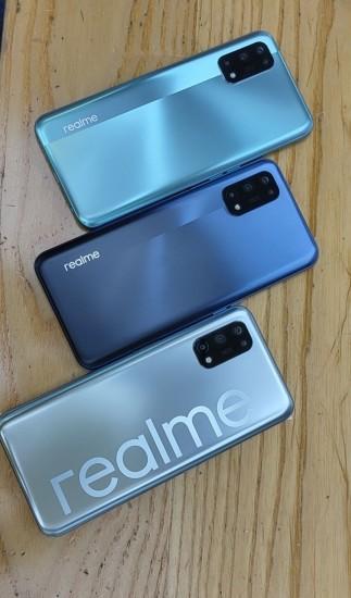 Realme V5 hands-on shots