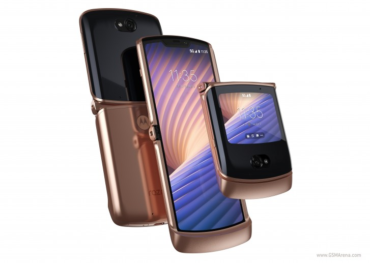 Motorola Razr 5G in Blush Gold