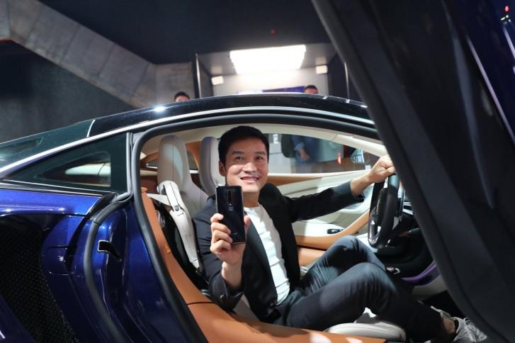 Pete Lau with OnePlus 7T Pro 5G McLaren