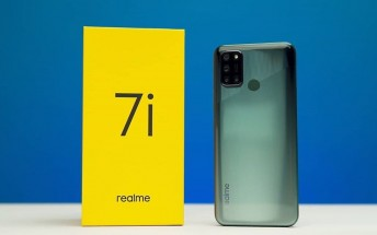 Realme 7i poses for the camera ahead of launch confirming key specs
