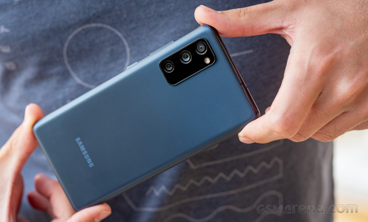 Report: Samsung leads global smartphone sales in August, widening the gap with Huawei