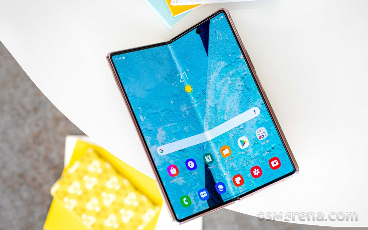 Research firm confirms three Samsung foldable phones in 2021