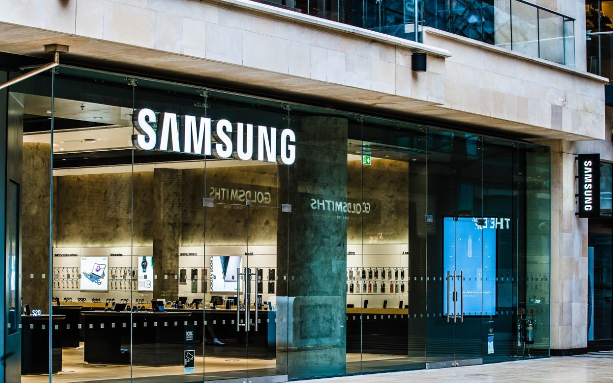 Samsung fails to ship 300 million units for the first time in 9 years