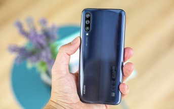 Android 11 is rolling out to the Xiaomi Mi A3 and bricking phones left and right