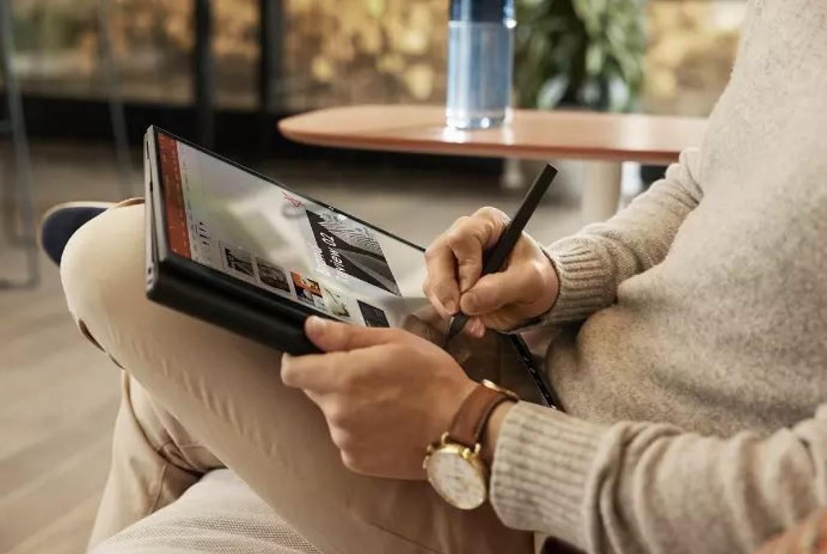 HP apporte deux ordinateurs portables convertibles, des écouteurs sans fil HP Elite au CES
