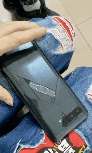 ROG Phone 5 front and back