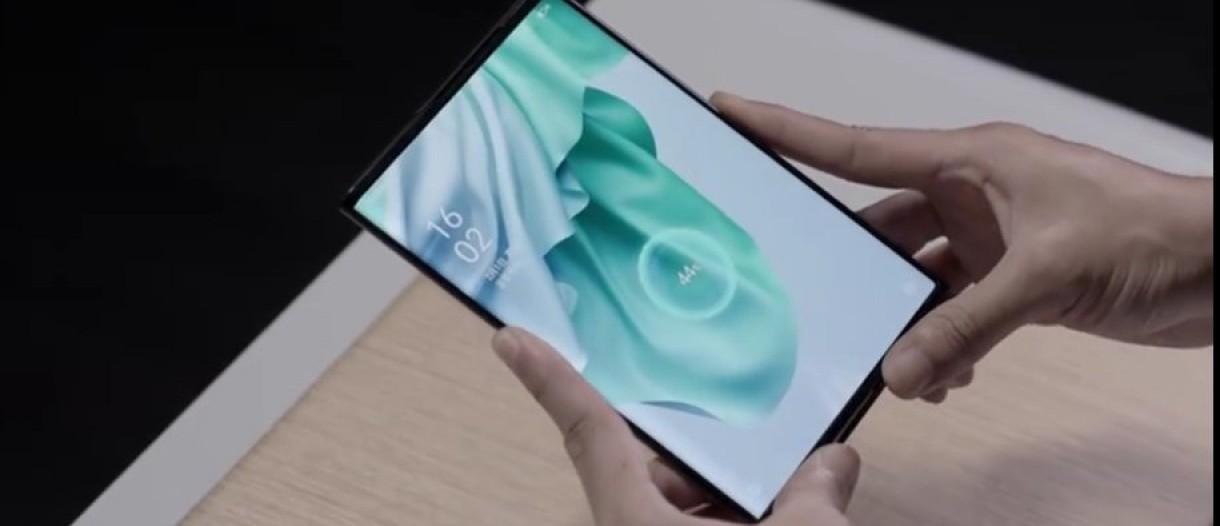 أوبو تختبر خاصية الشحن اللاسلكي عن بعد على هاتف Oppo X 2021