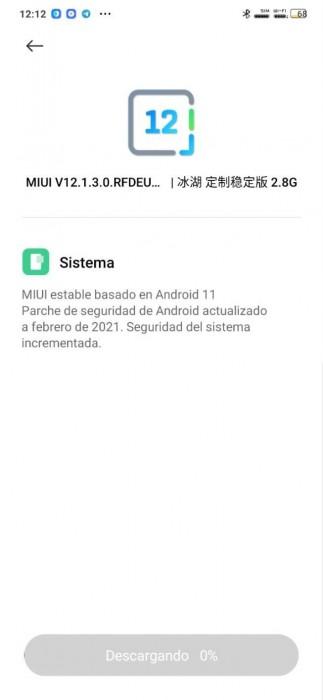 Xiaomi Mi Note 10 update changelog (left) and Redmi Note 8 post update (right)