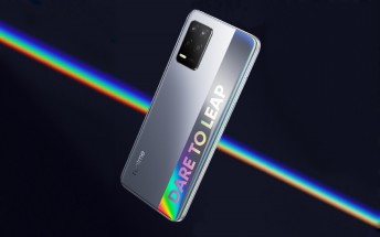 Realme Q3 design revealed, will have three cameras and fancy colors