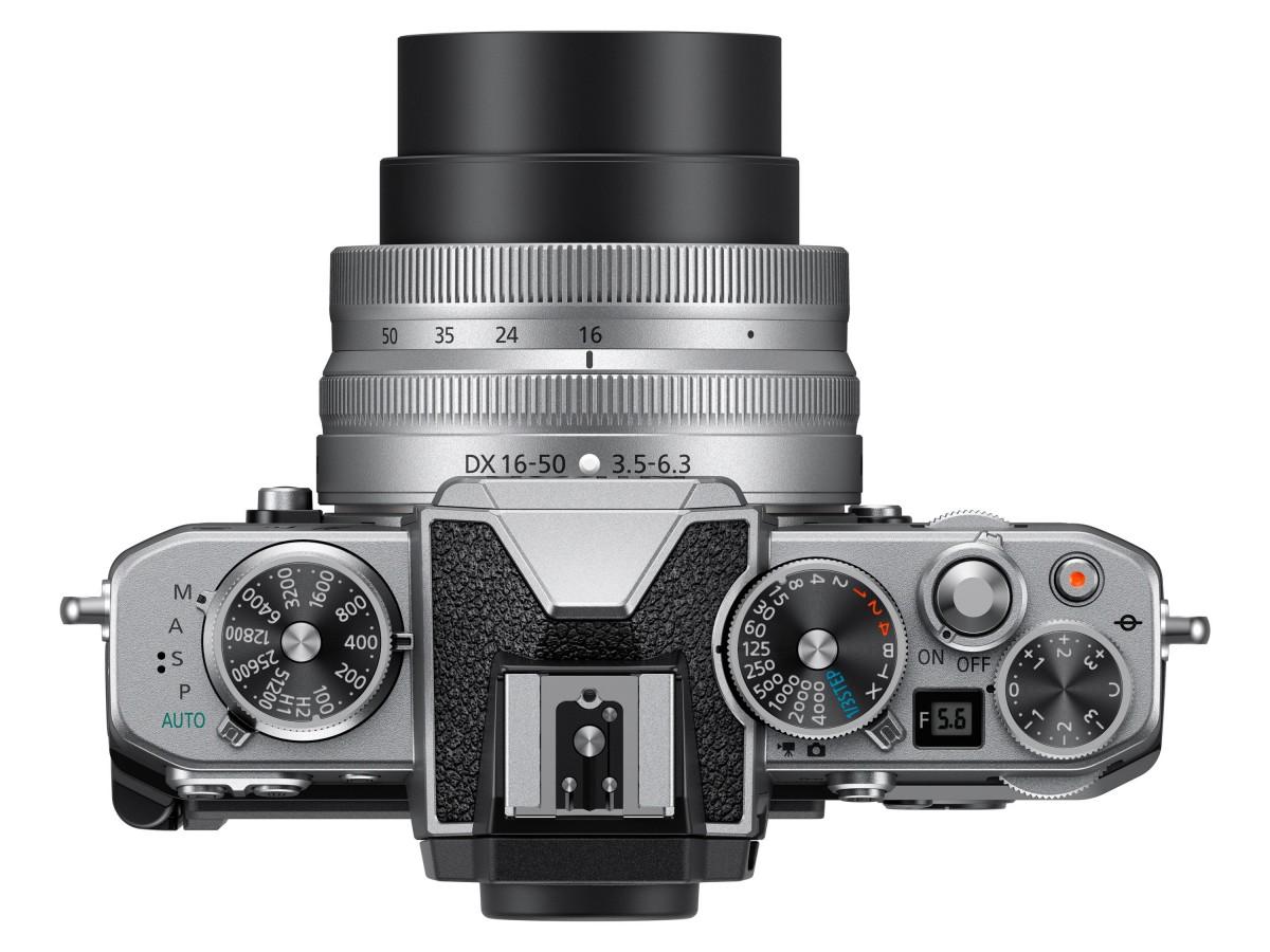 Nikon anuncia la cámara sin espejo Z fc con diseño retro