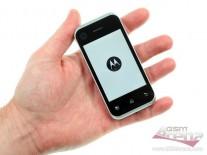 Motorola Backflip in the hand