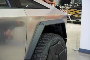 Cameras on a Tesla Cybertruck prototype