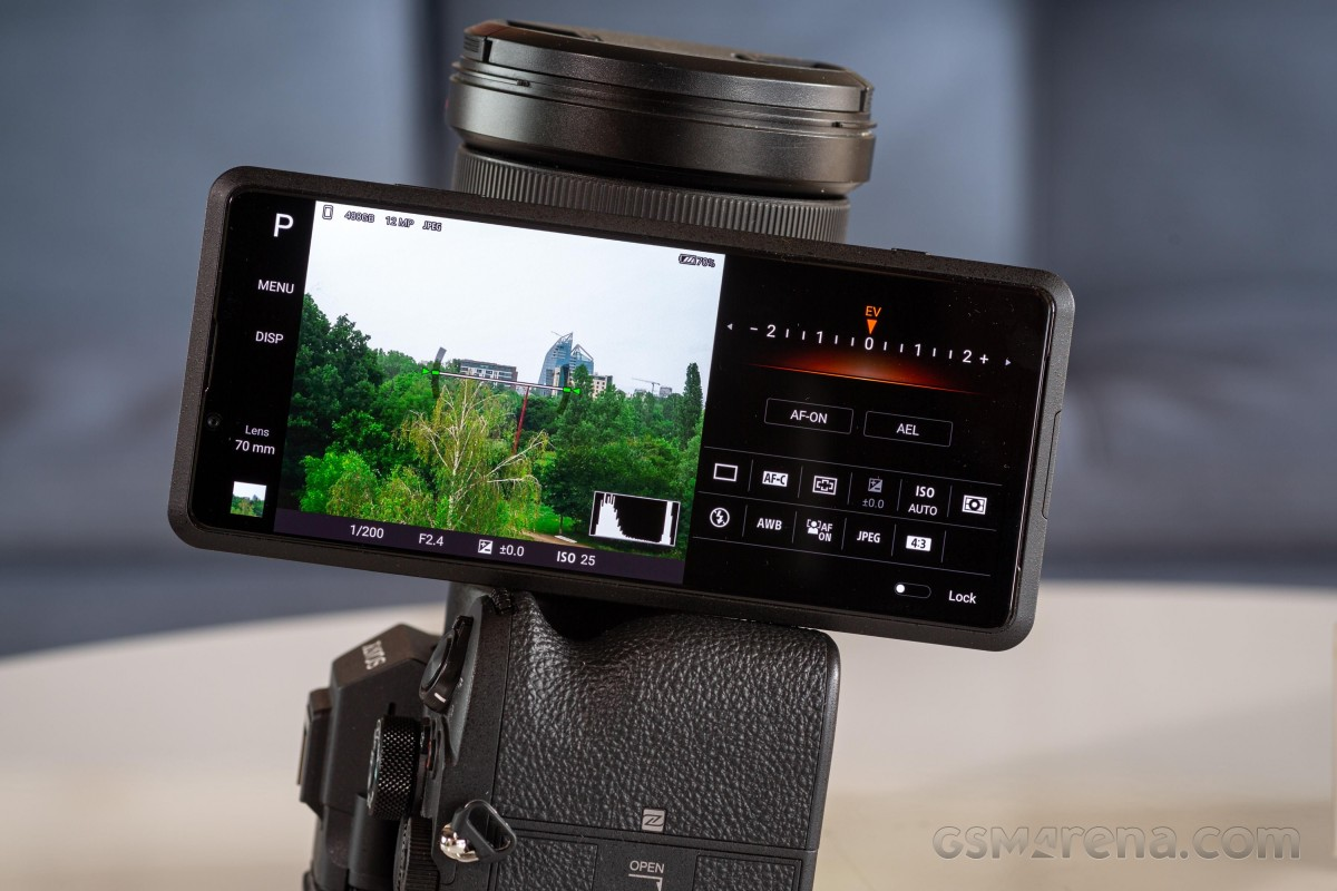 Sony Xperia Pro practical - real Pro or half-hearted attempt at a concept?