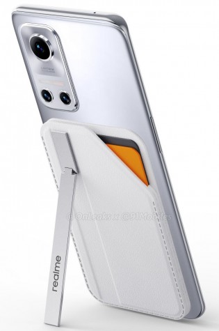 Realme MagDart Wallet attached to Realme Flash