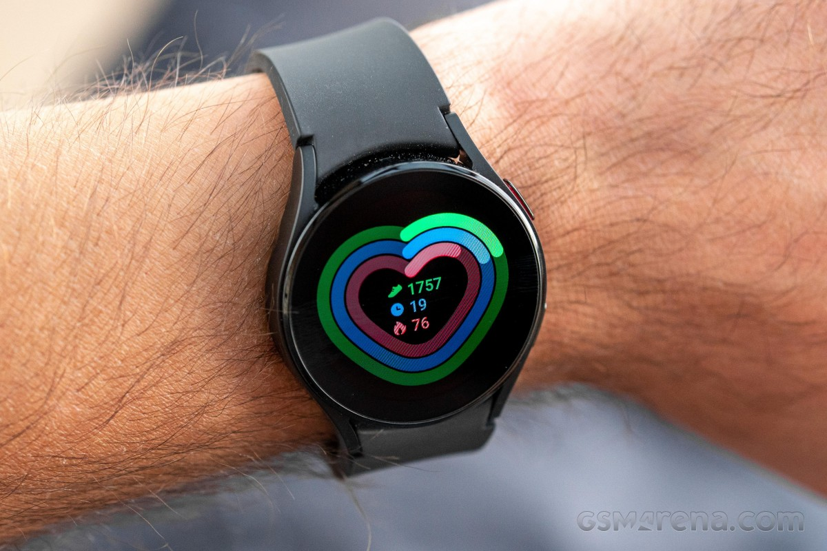 Samsung Galaxy Watch4 and Watch4 Classic are getting another firmware update