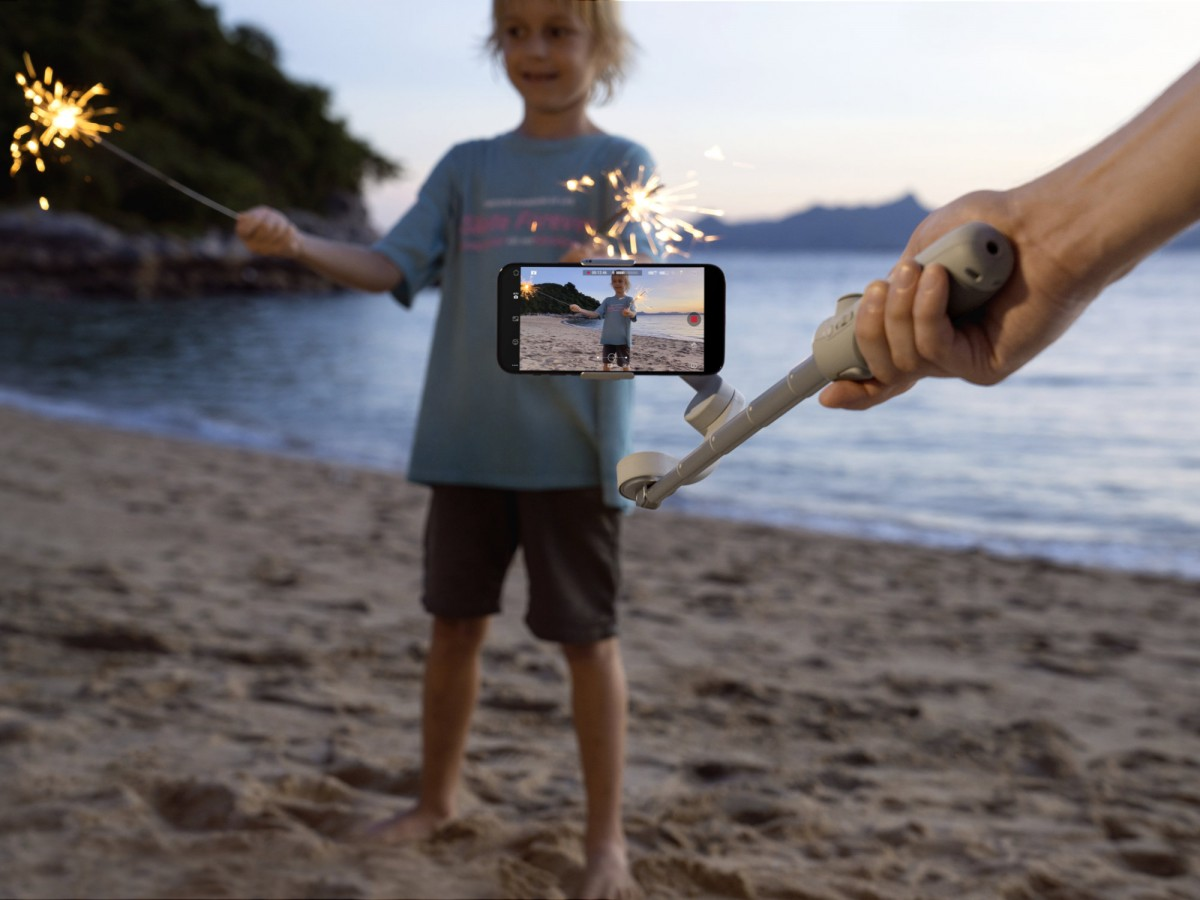 DJI OM 5 is a smartphone gimbal that doubles as a selfie stick