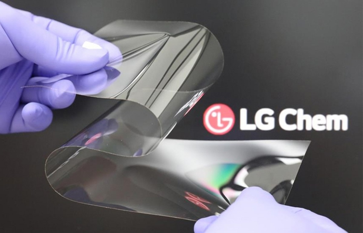 LG introduces new foldable display tech that's hard as glass, has no  creases - GSMArena.com news