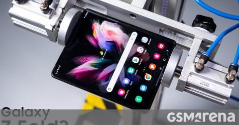 Samsung Galaxy Z Fold3 goes through drop tests both open and closed - GSMArena.com news - GSMArena.com