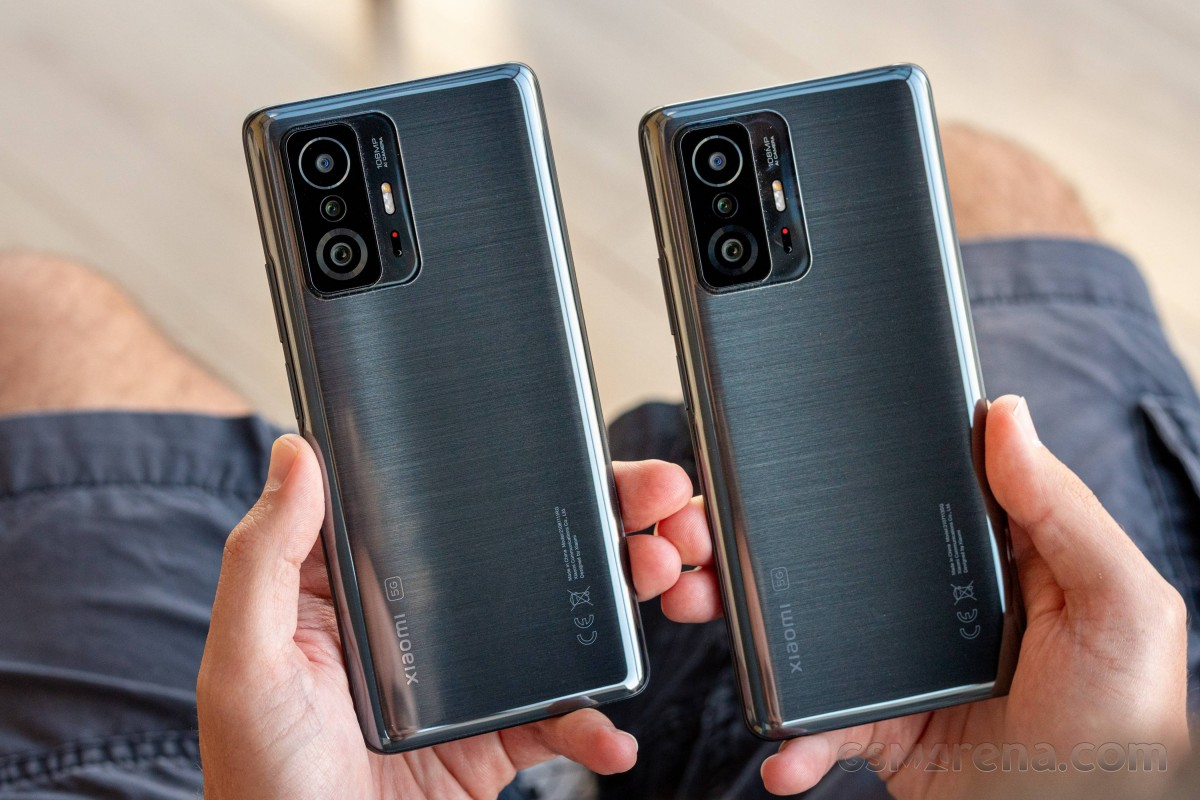 Xiaomi 11T and 11T Pro side by side