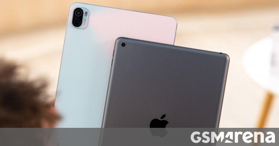 Apple iPad 9th gen (2021) vs Xiaomi Pad 5 video comparison thumbnail