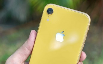 Reports suggest iPhone SE 3 is coming with LCD next spring