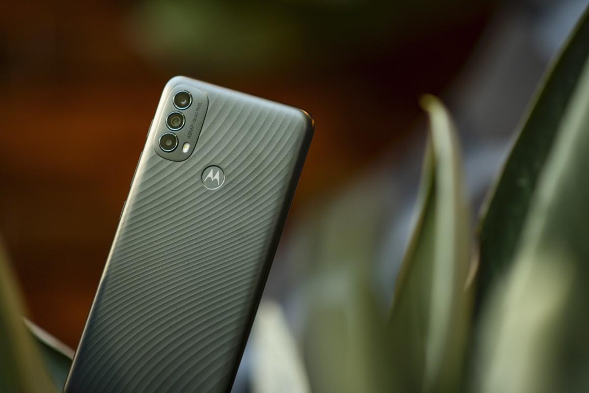 Motorola Moto E40 debuts with 90Hz LCD, 48MP main cam - GSMArena.com news