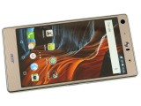 Checkered pattern in the ample bezels - Acer Liquid X2 review