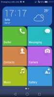 Simple homescreen with a tiled interface - Huawei nova review