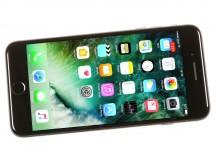 iPhone 7 Plus isn't very slim either - iPhone 7 Plus vs. Pixel XL