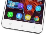 Capacitive keys in the bottom bezel - Lenovo Vibe K5 Plus review