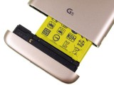 The Magic Slot in action - LG G5 vs. Samsung Galaxy S7