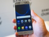 The Galaxy S7 launches with the latest TouchWiz, built on Android 6.0 Marshmallow - MWC 2016 Samsung