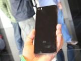 The ceramic version of Xiaomi Mi 5 - MWC2016 Xiaomi Mi 5 review