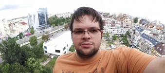 Wide selfie sample - Samsung Galaxy C7 review