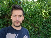 Front camera samples: Outdoor (soft skin on) - Sony Xperia X Compact review