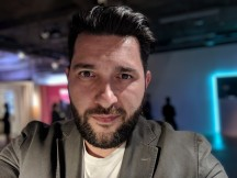 Google Pixel 2 / 2 XL Portrait mode photos: selfie camera - f/2.4, ISO 228, 1/20s - Google Pixel 2 / 2 XL hands-on review