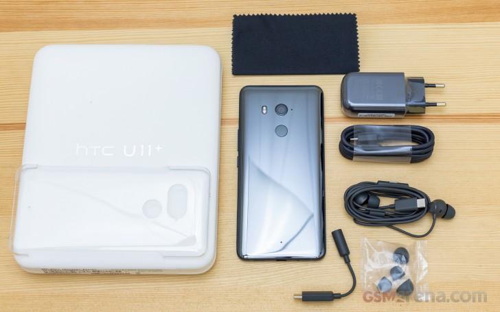 HTC U11+ review: Retail box, 360-degree spin, design