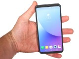 In the hand - LG V30 review