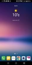 Navi bar in black when you're in multi-view - LG V30 review