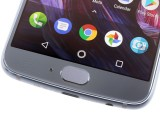 Fingerprint reader and mic - Motorola Moto X4 review