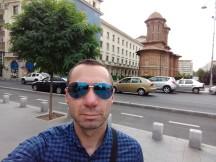 Moto Z2 Play selfie samples - f/2.2, ISO 100, 1/360s - Motorola Moto Z2 Play review