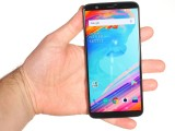 In the hand - OnePlus 5T review