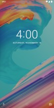 The lockscreen: No notifications - OnePlus 5T review