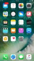 Apple iPhone 7 Plus user interface: Homescreen - OnePlus 5 vs. iPhone 7 Plus vs. Samsung Galaxy S8