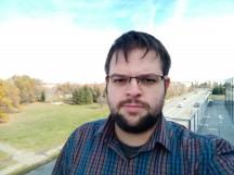 Oppo F5 selfie samples - f/2.0, ISO 100, 1/247s - Oppo F5 review